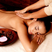 Massage californien aux huiles bio