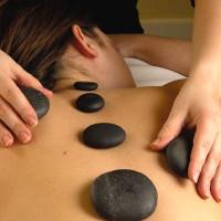 Massage aux pierres chaudes et aux jades froids